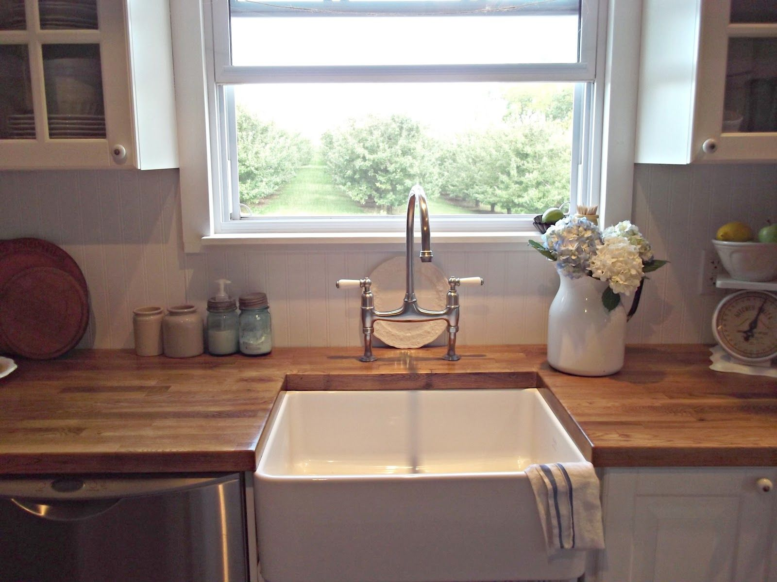 FARMHOUSE STYLE SINKS Rustic Farmhouse A Farm Style
