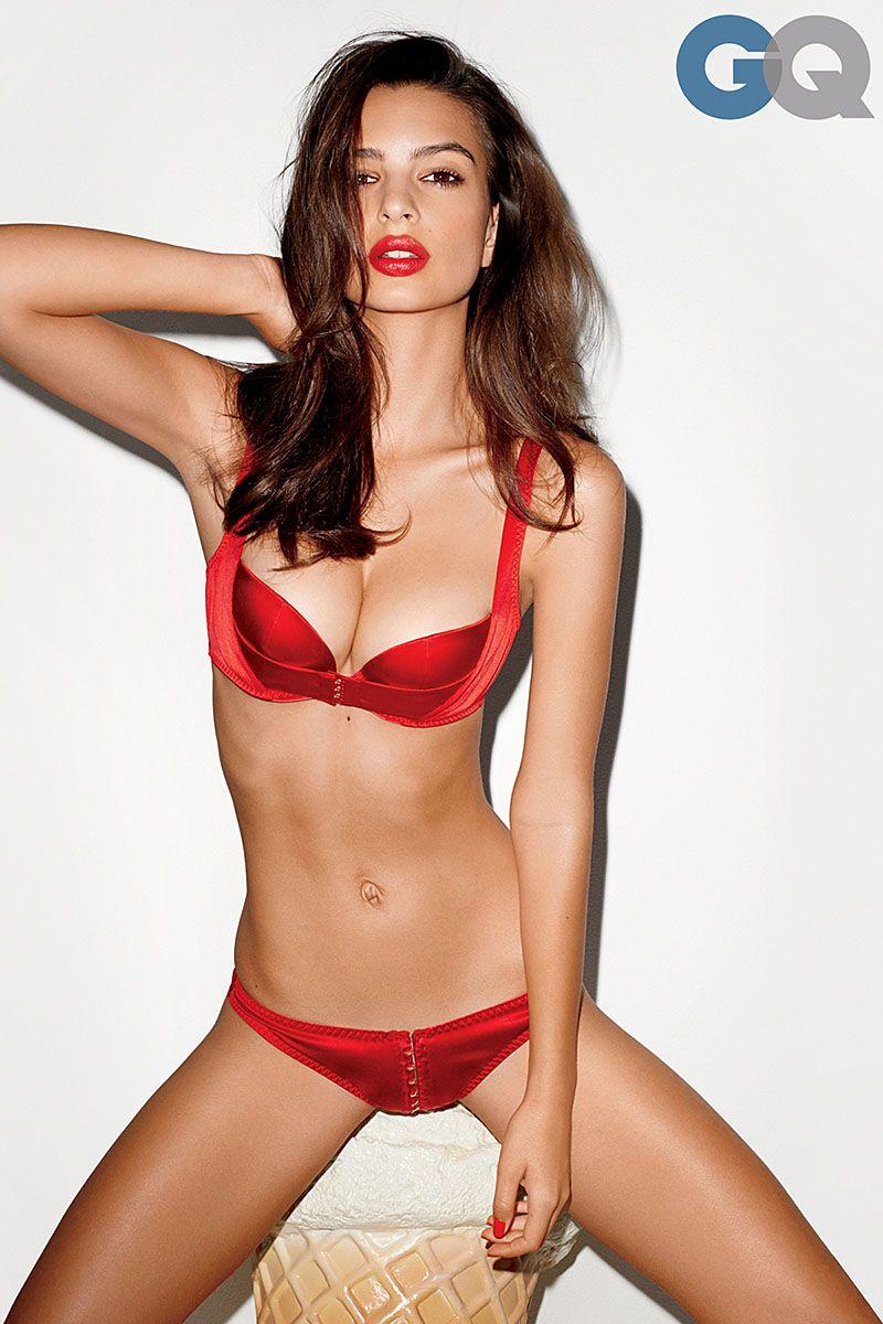 Rezultate imazhesh për emily ratajkowski red lingerie