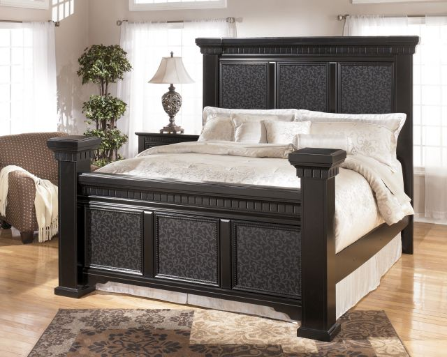 Plain Contemporary Oak Bedroom Furniture Model With Inside