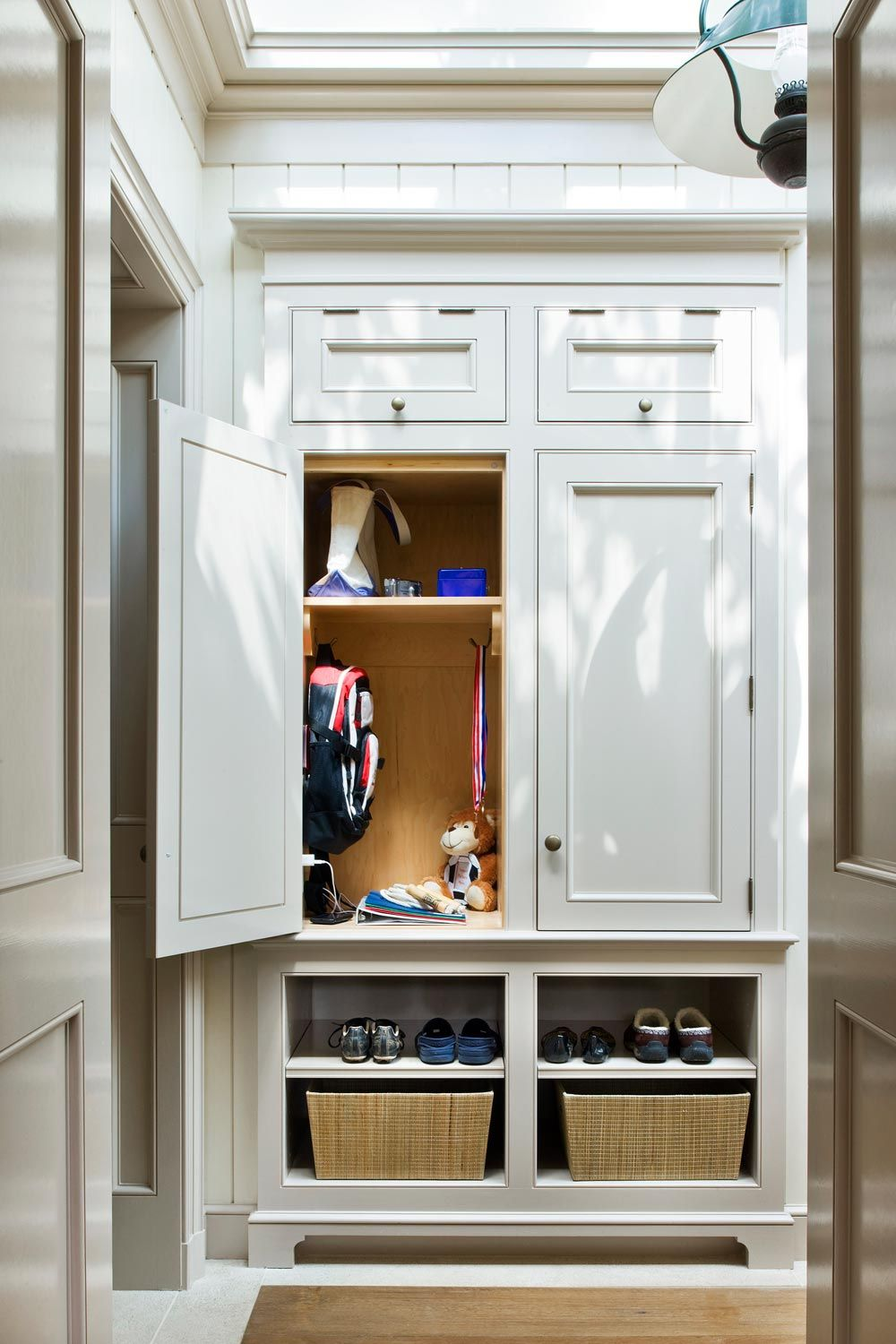 entrance built in storage Mudroom ,Open cubbies or