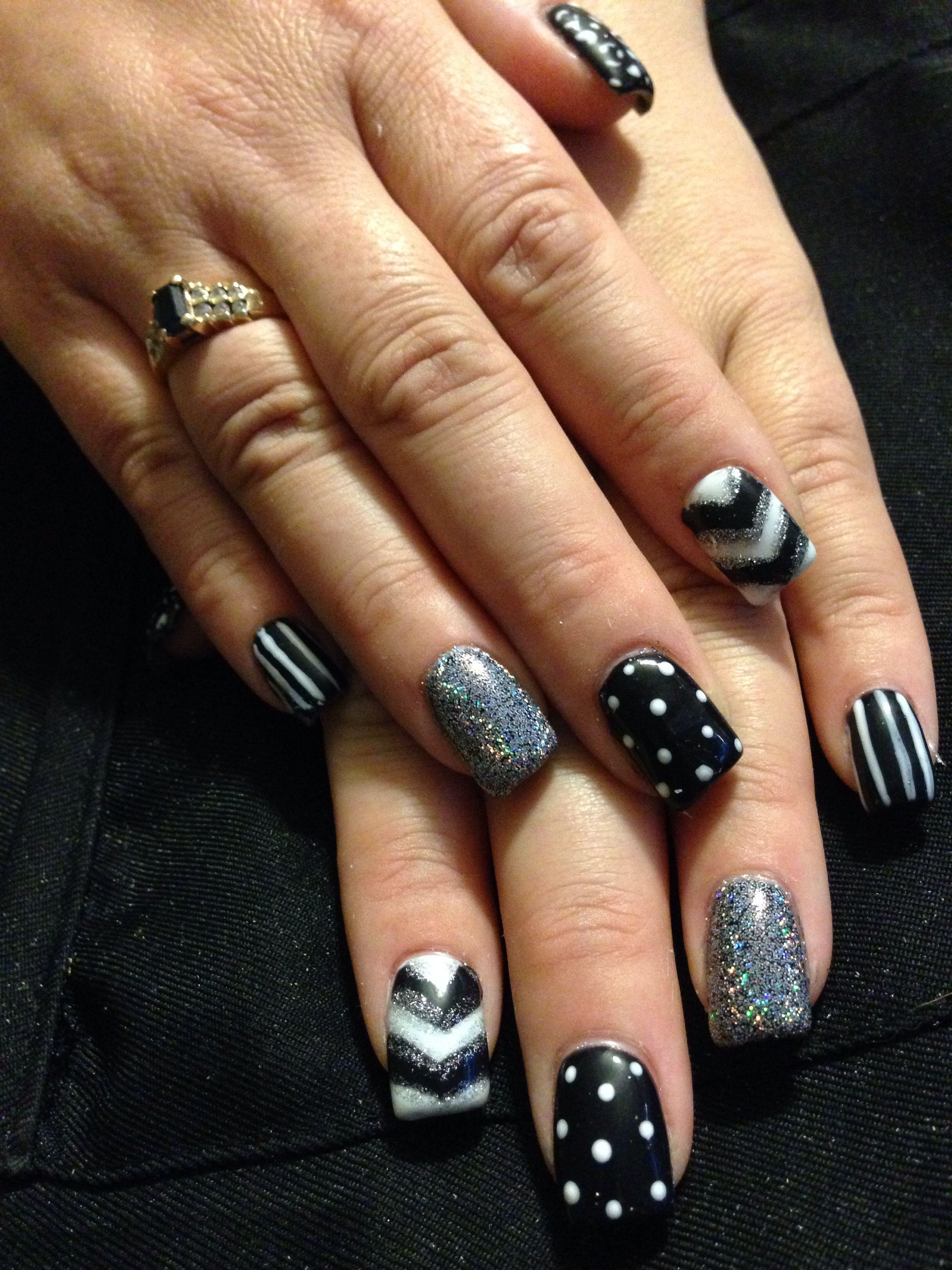 Acrylic nails black and white Sara's nail designs