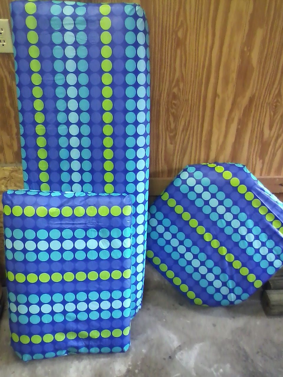 DIY Boat Cushions for cheap! I used vinyl tablecloths from