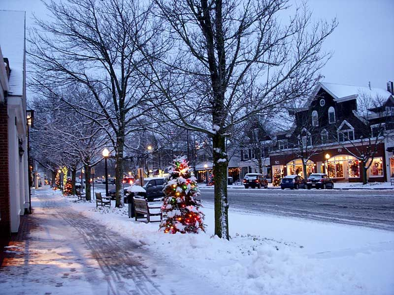 Snowcapped streets of Southampton in the cozy winter
