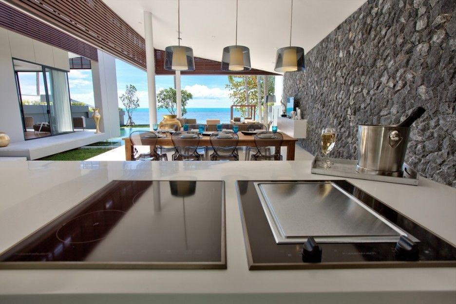 Clean And Modern Electric Stove In Mandalay Beach House Cooking Area     Clean And Modern Electric Stove In Mandalay Beach House Cooking Area With  Stylish Modern Used Stone