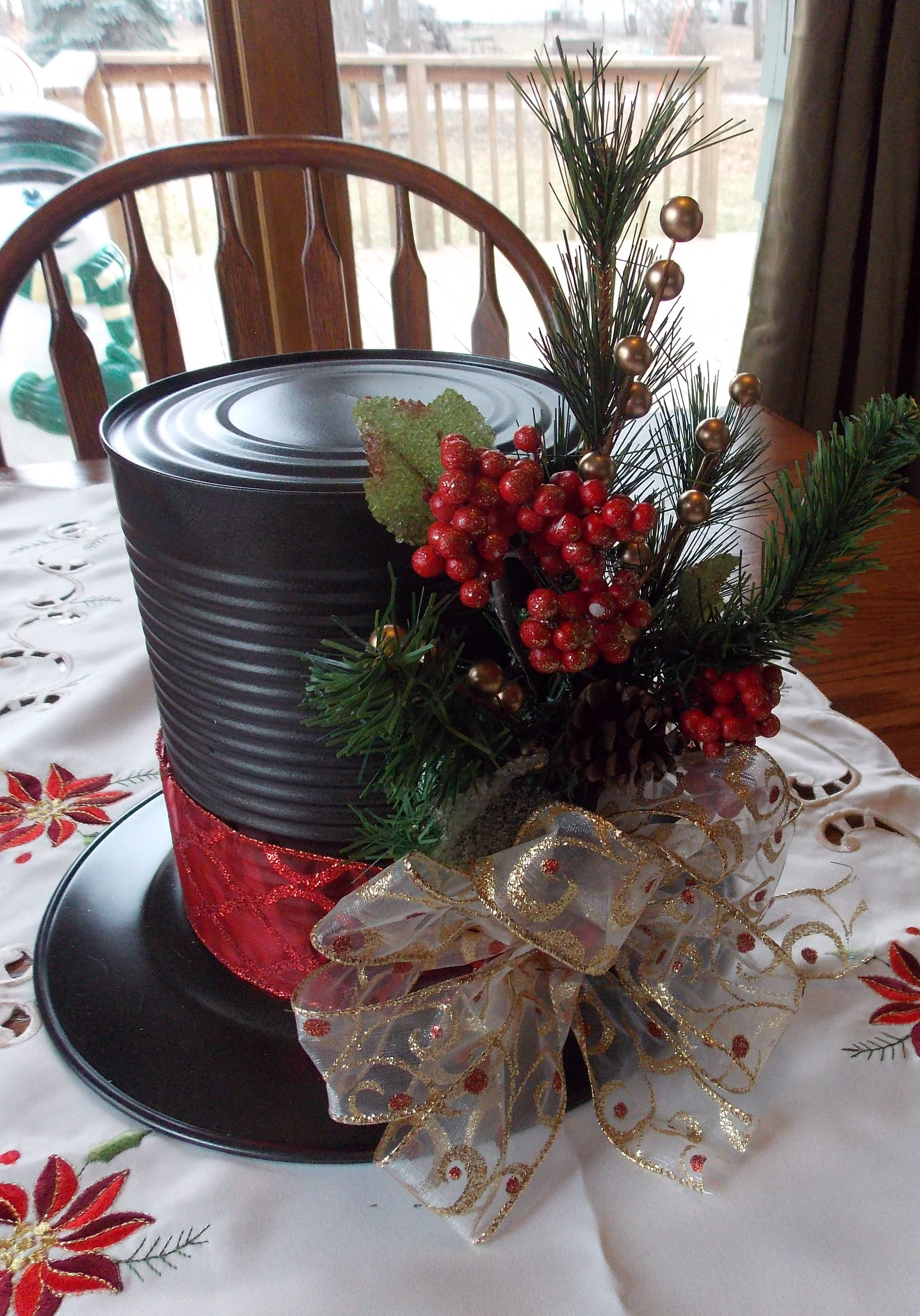 Red and Gold Snowman hat centerpiece PINTEREST CRAFTS