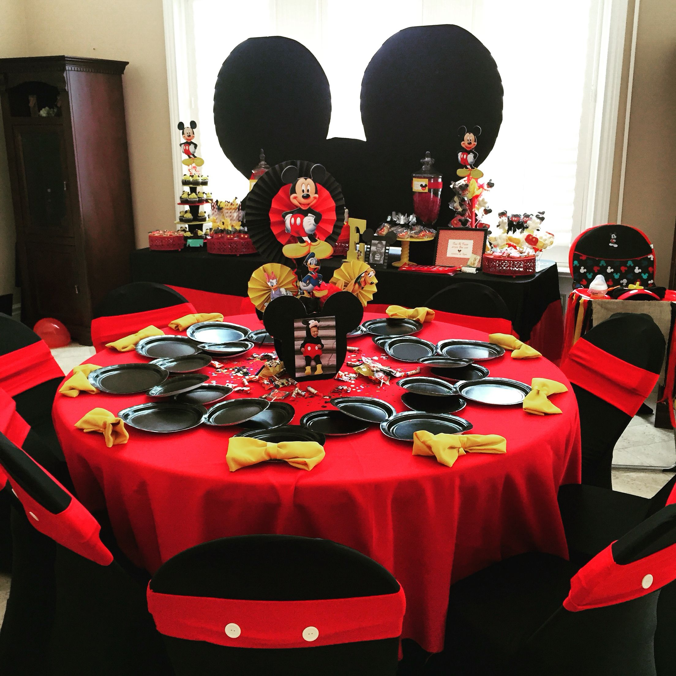 Mickey Mouse centerpiece , Mickey Mouse theme party / kids
