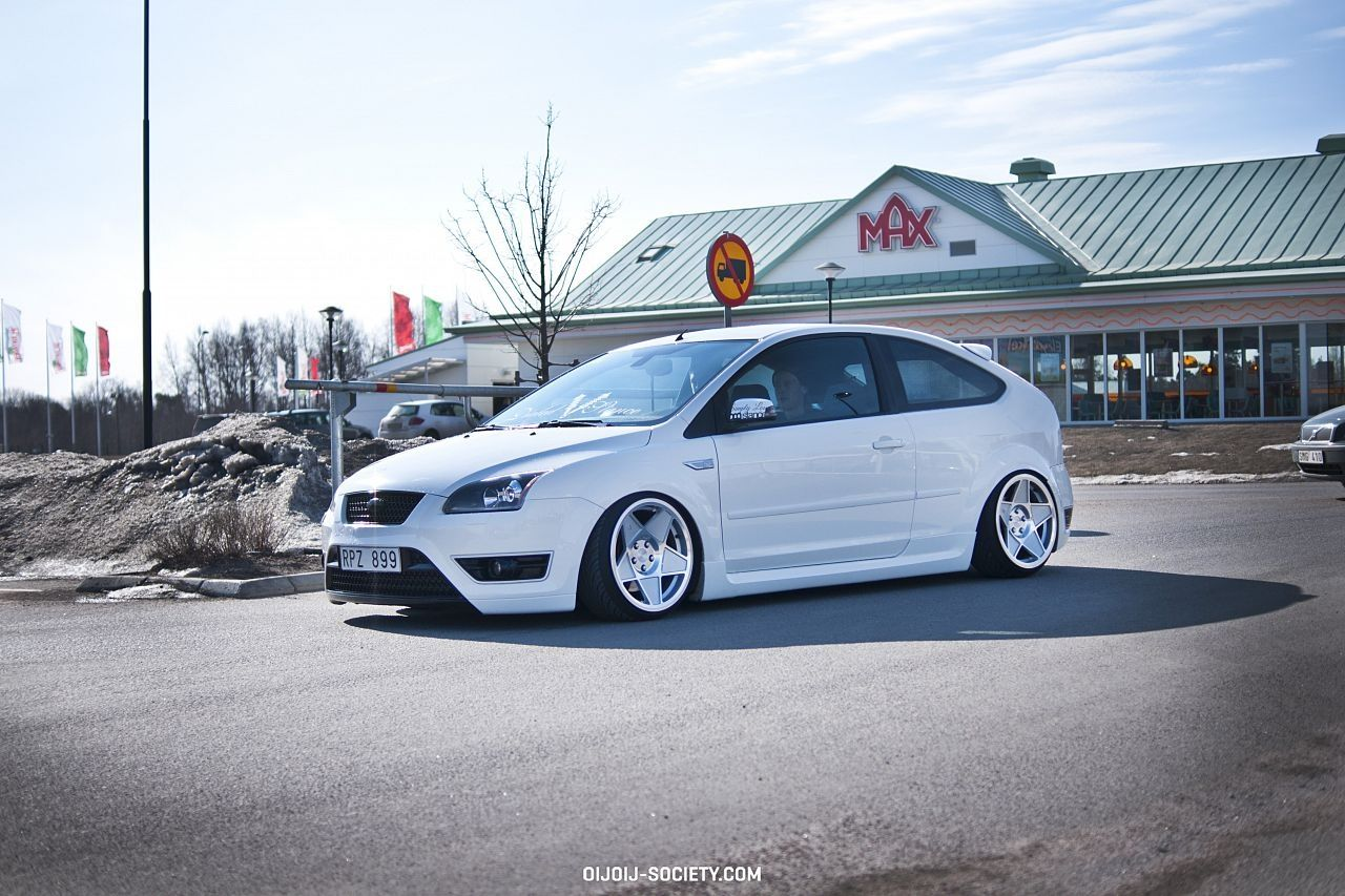 White, low Ford Focus ST mk2 FordFocus.ST Tuning