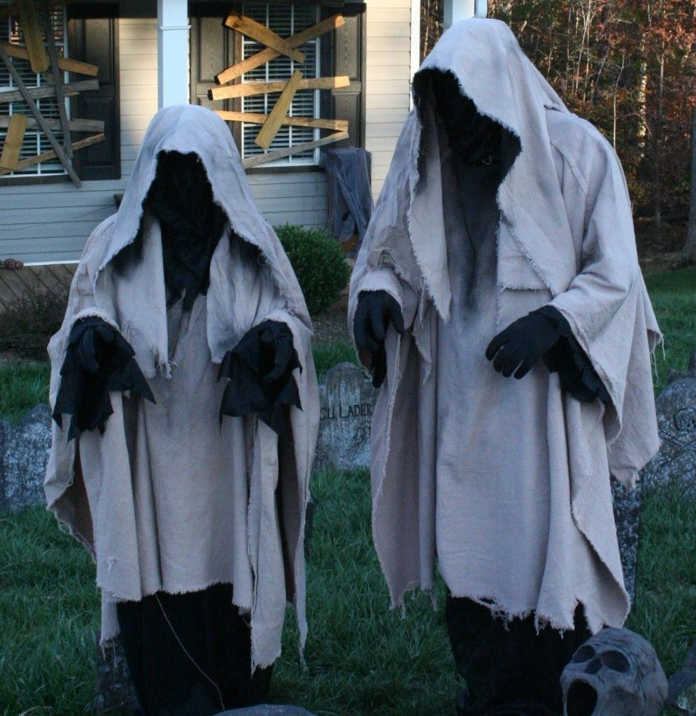 50 Astounding But Easy DIY Outdoor Halloween Decoration