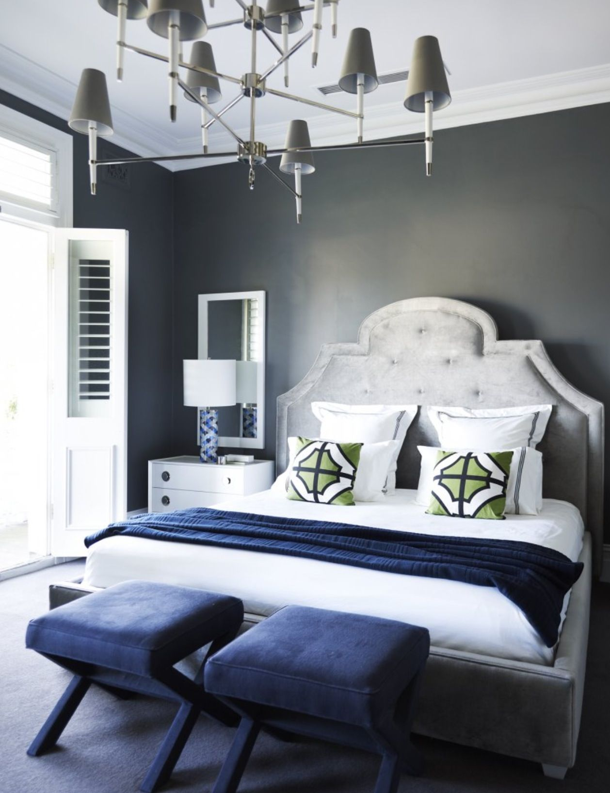 Flip Flop Walls And Headboard Light Grey Paint With Darker