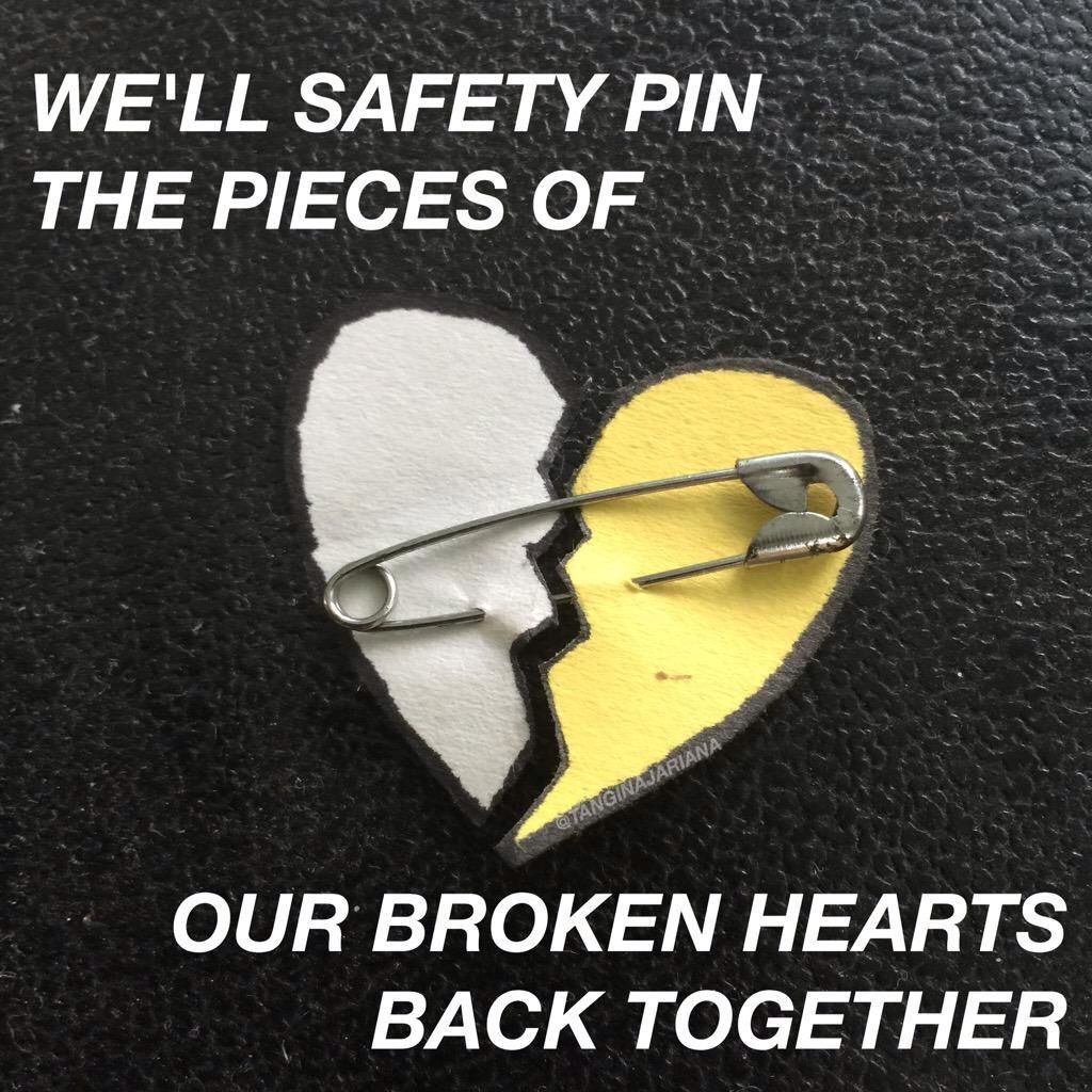 safety pin // 5 seconds of summer … Pinteres…