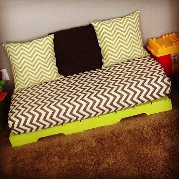 Old Crib Mattress I Made This For The Boys Playroom Get A Pallet And Paint It Find Use Your Favorite Ed Sheet Tutorial