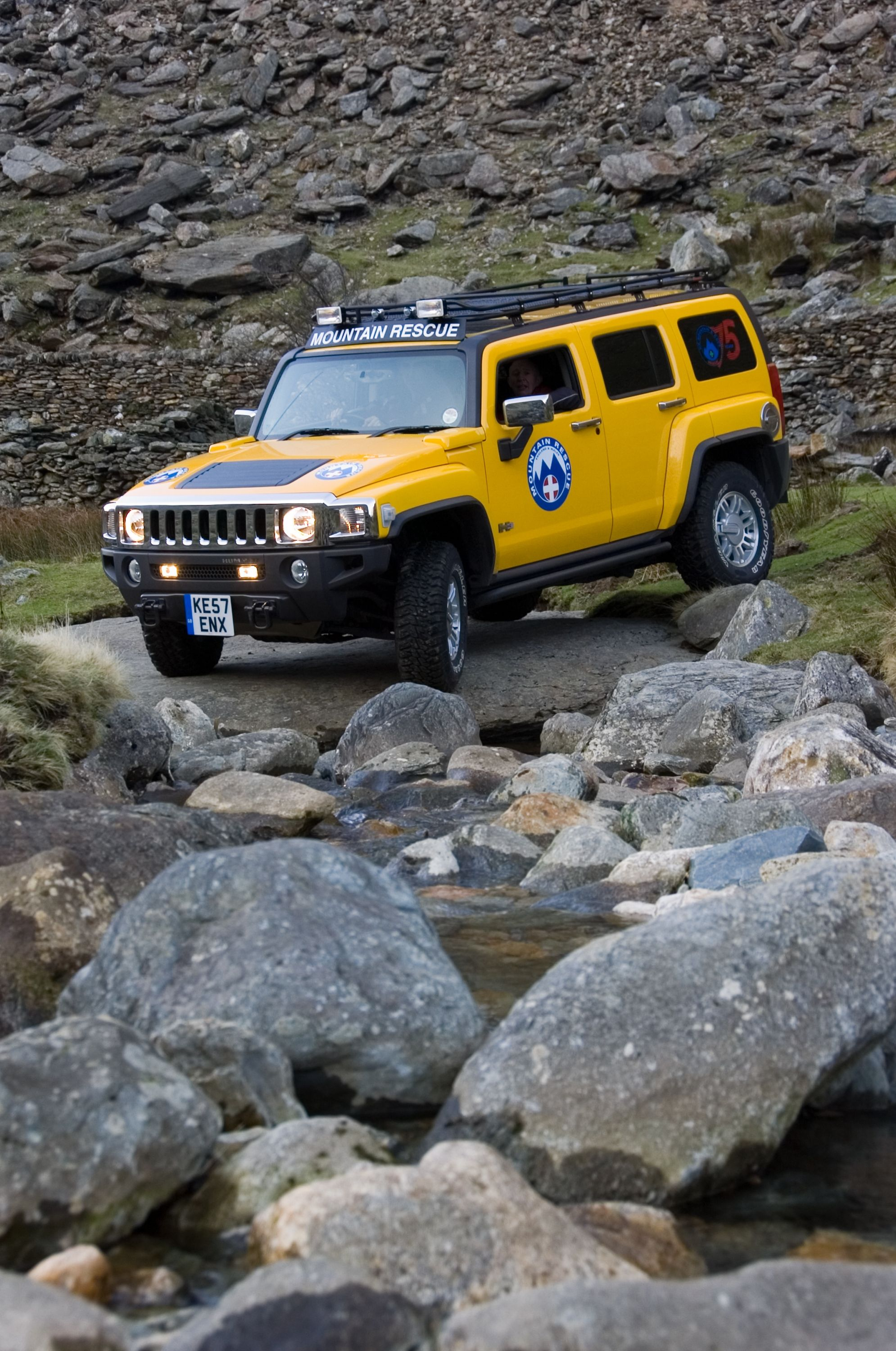 Hummer H3 sayhello click to search on Auto Trader