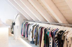 Begehbarer Kleiderschrank mit XL Kleiderstange   Home ...