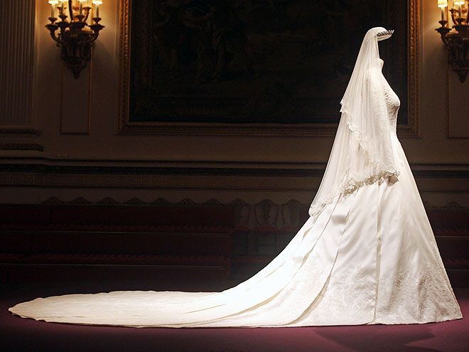 Best 25+ Royal Wedding Dresses Ideas On Pinterest