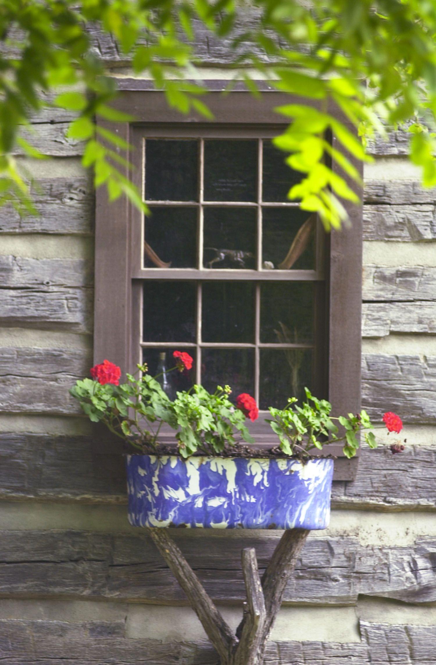 love this rustic window box Rustic Windows & Doors