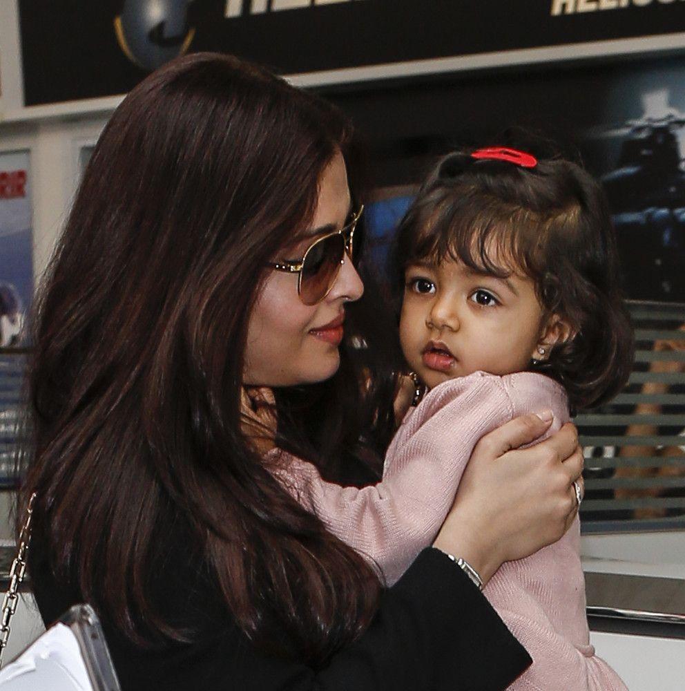 Aishwarya Rai & daughter Aaradhya Cannes 2013