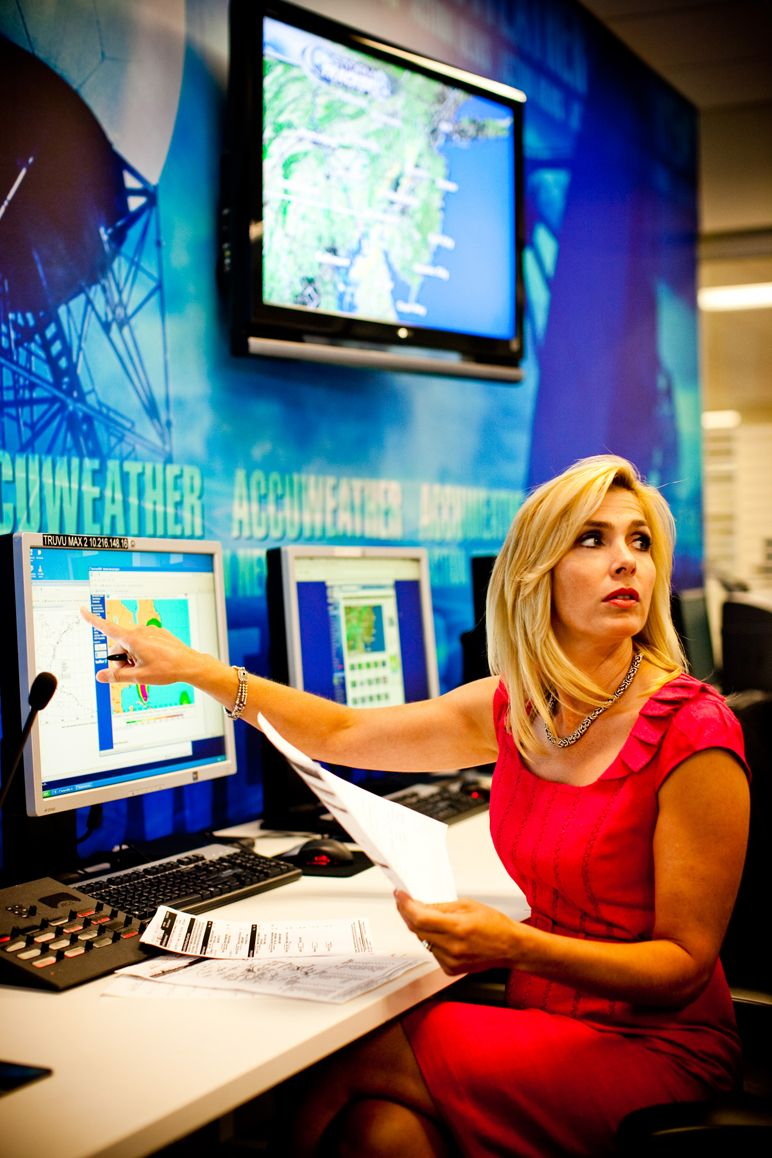 Karen Rogers Meteorologist and Traffic Reporter 6abc