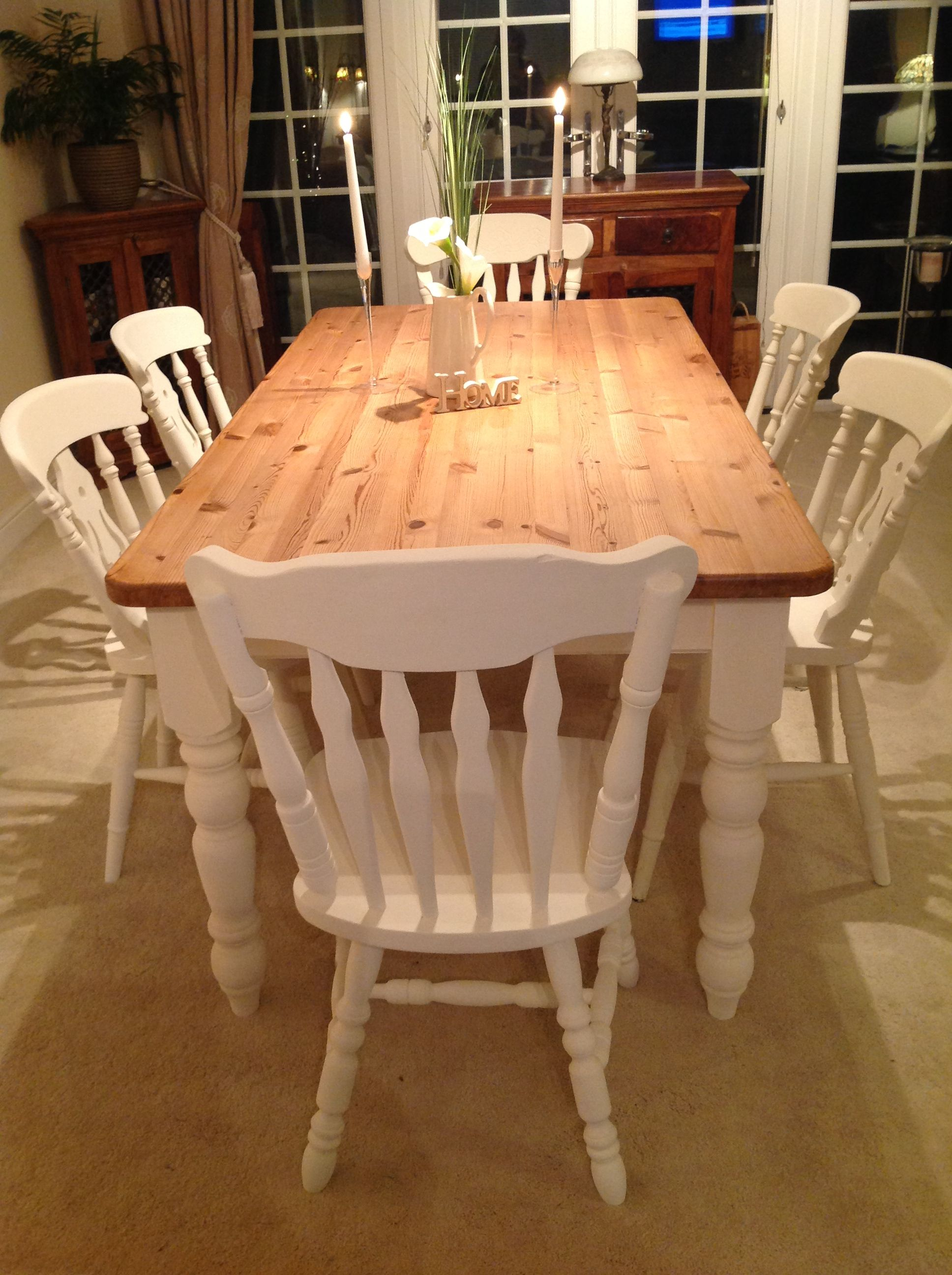 Farmhouse table and chairs painted in Annie Sloan old