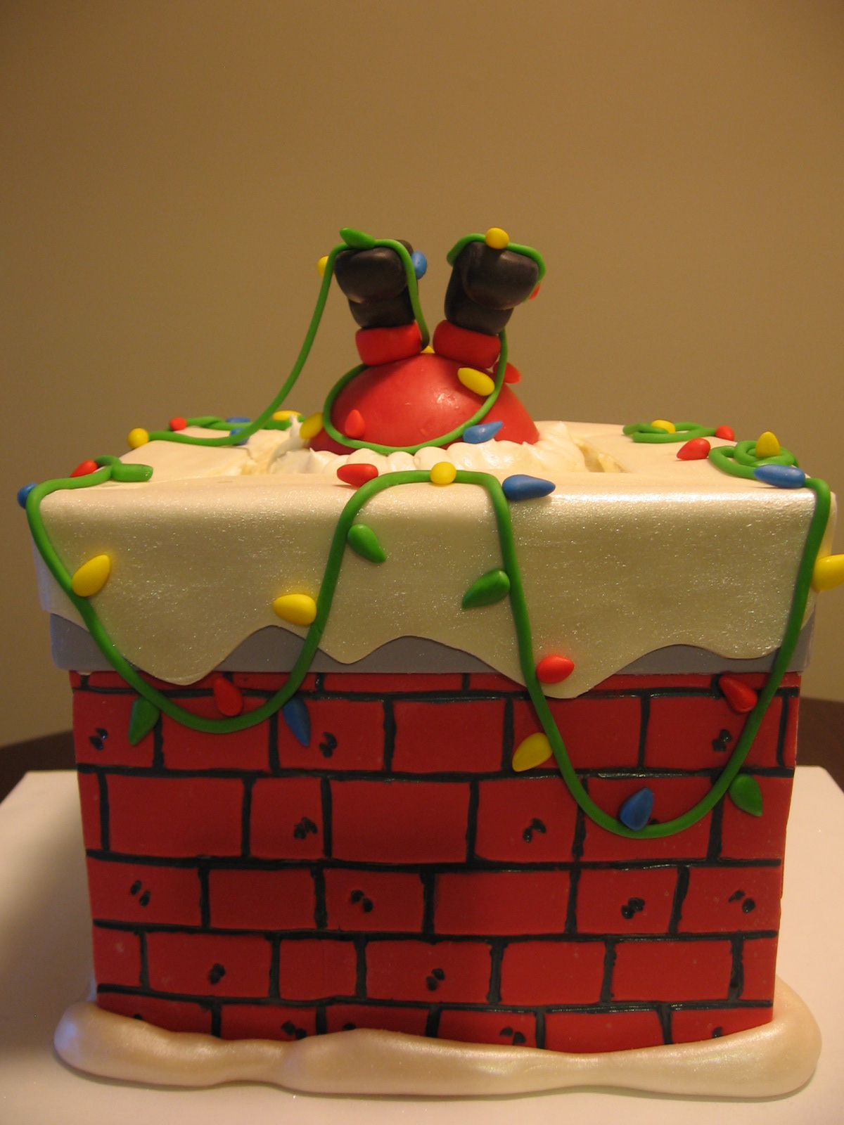 When Santa got stuck in the chimney... Top_Christmas_Cake