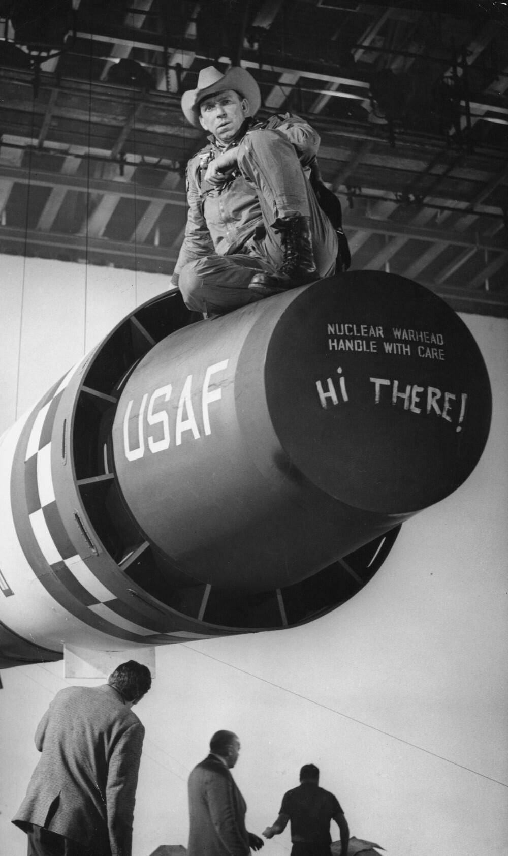 """Slim Pickens as Major T. J. """"King"""" Kong on the of DR"""