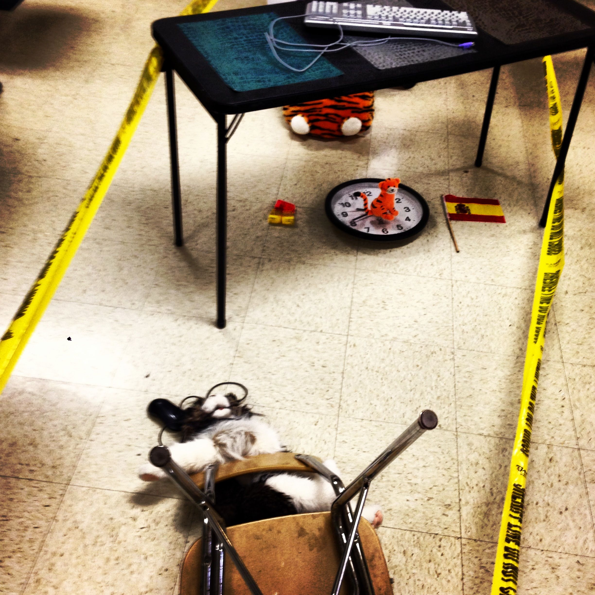 Preposition Crime Scene In Spanish Class Students Use Scene To Describe Location Of Objects And