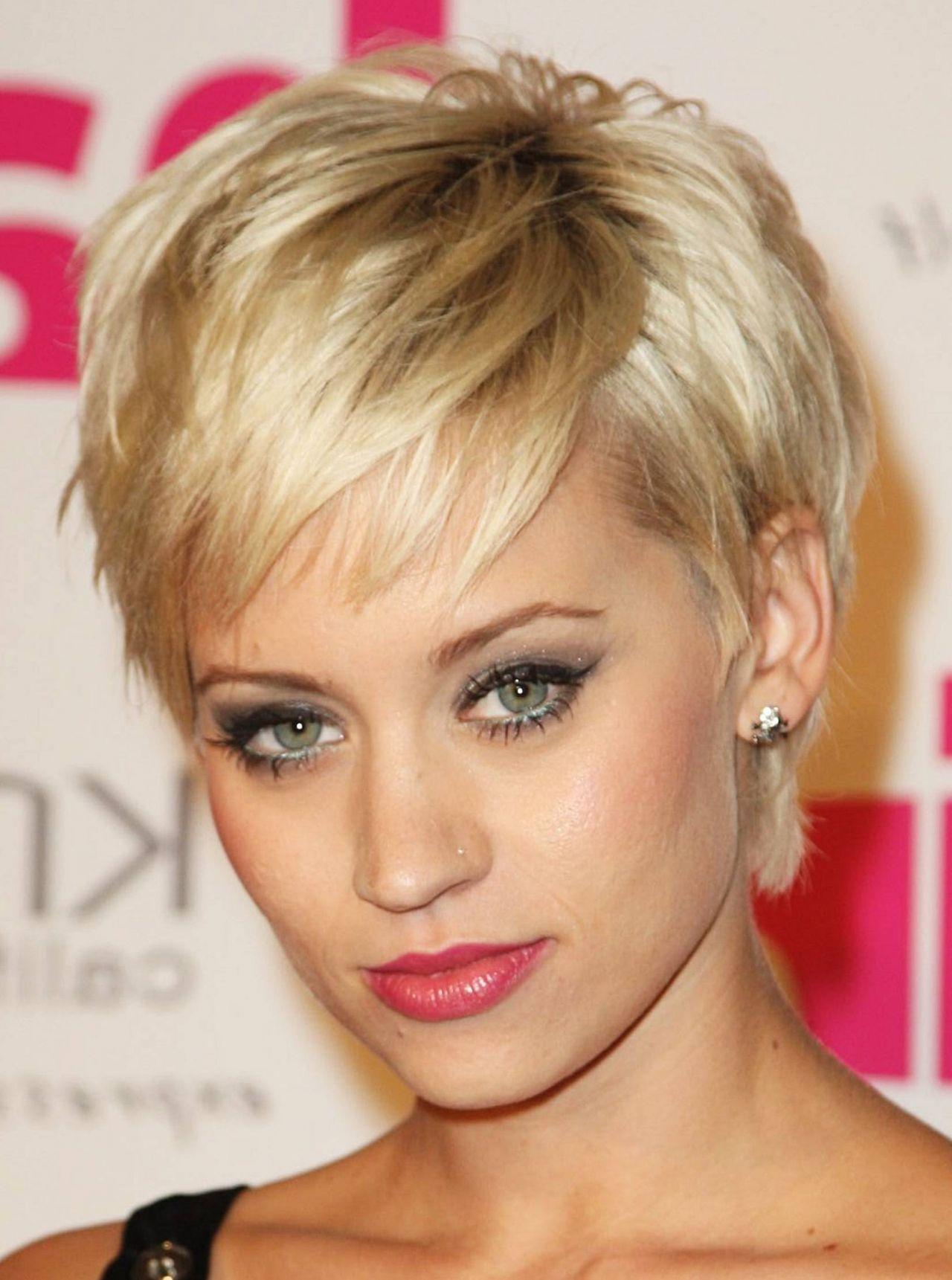 Short Hairstyles For Women Over 40 2015 Hairstyles Trend Layered