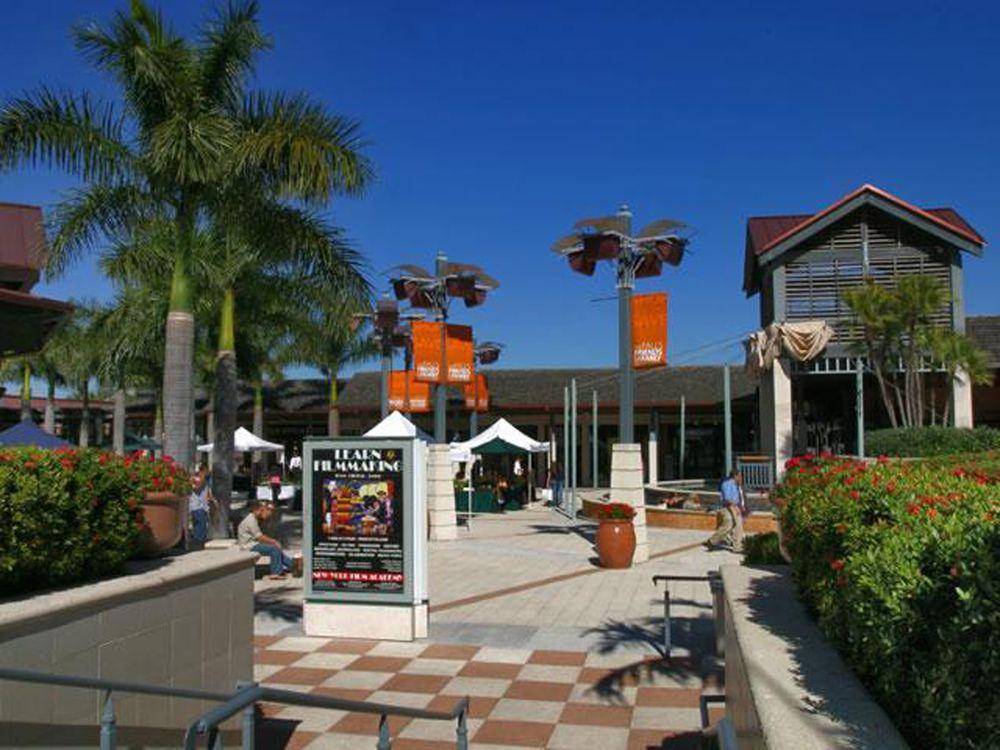 The Falls® Shopping Mall (Miami, Florida) Miami Area