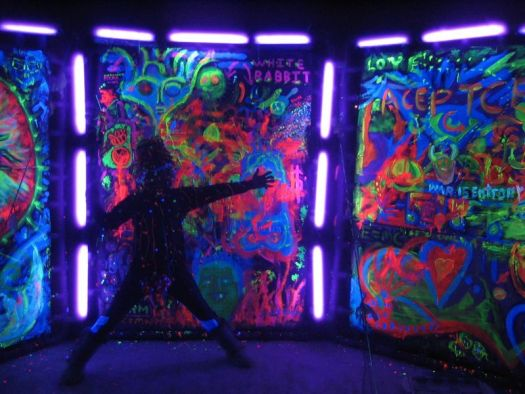 Glow In The Dark And Black Light Party Ideas