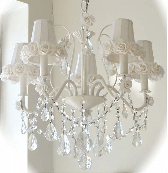 Decorating Shabby Chic With Black Cream And Rose Colors Chandeliers Glittering
