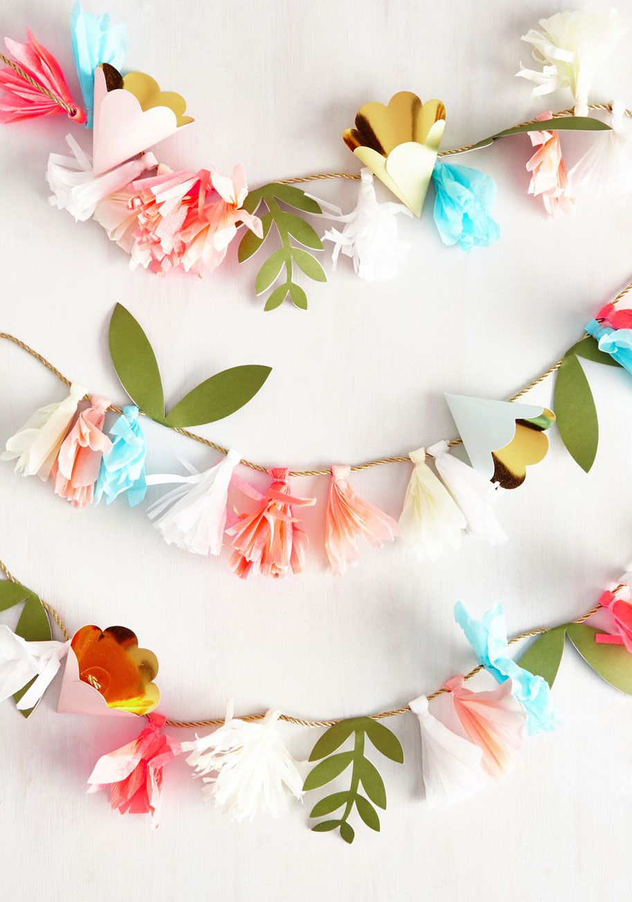 21 DIY Outdoor & Hanging Decor Ideas Garlands, ModCloth