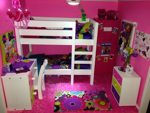 American Girl Doll House the Pink bedroom We made the bunk bed