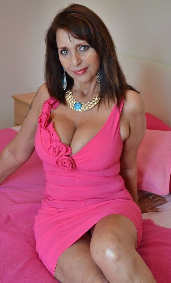 Mature MILF In Pink Dress Milf Pinterest Pink Dresses