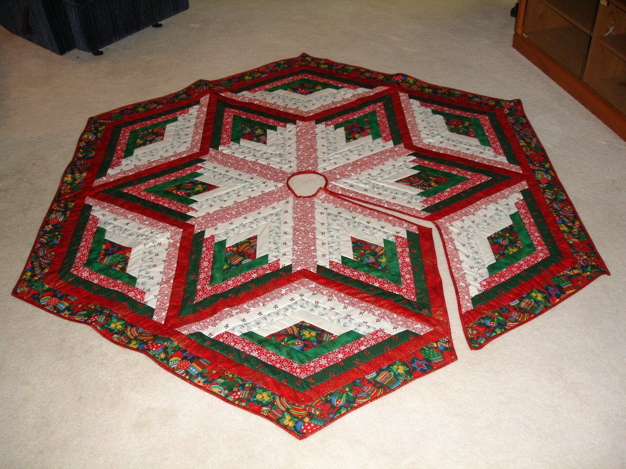 quilt patterns Country Tree Skirt Pattern Quilt Fabric