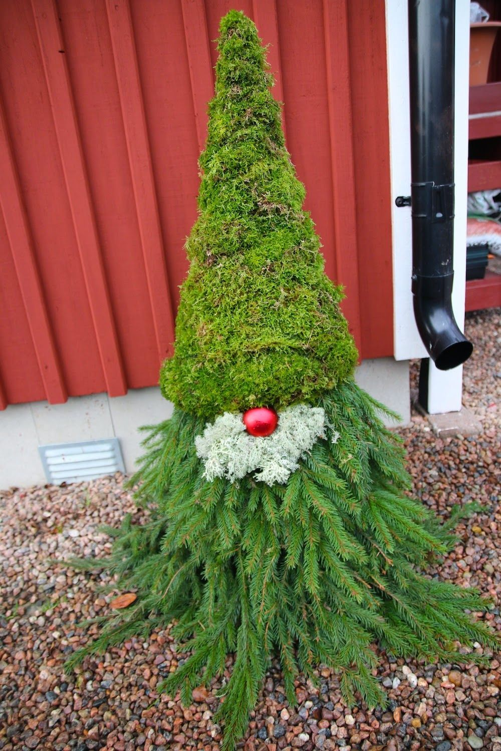 Rebeccas DIY Granristomte * Outdoor Gnome holiday ideas