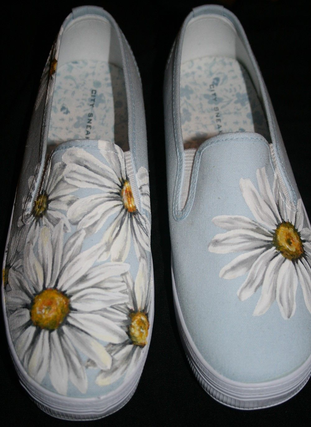 Hand Painted Daisy Shoes Painted shoes, Craft and Diy