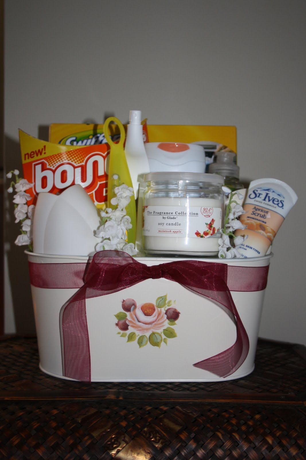 Housewarming gift basket Gift Giving Ideas Pinterest