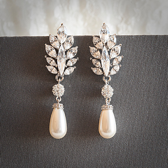 Vintage Style Swarovski Teardrop Pearl Chandelier Bridal Earrings Crystal Leaf Wedding Rhinestone