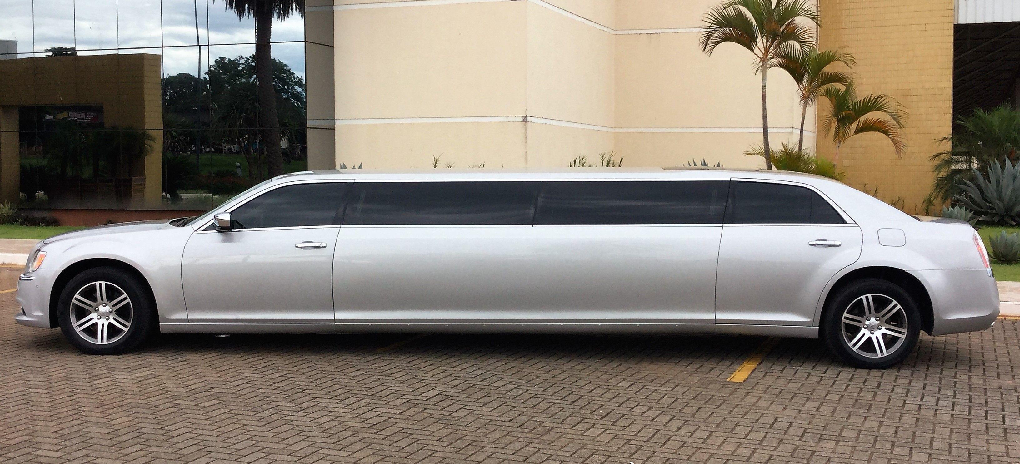 Chrysler 300c limousine prata LIMOUSINES Pinterest