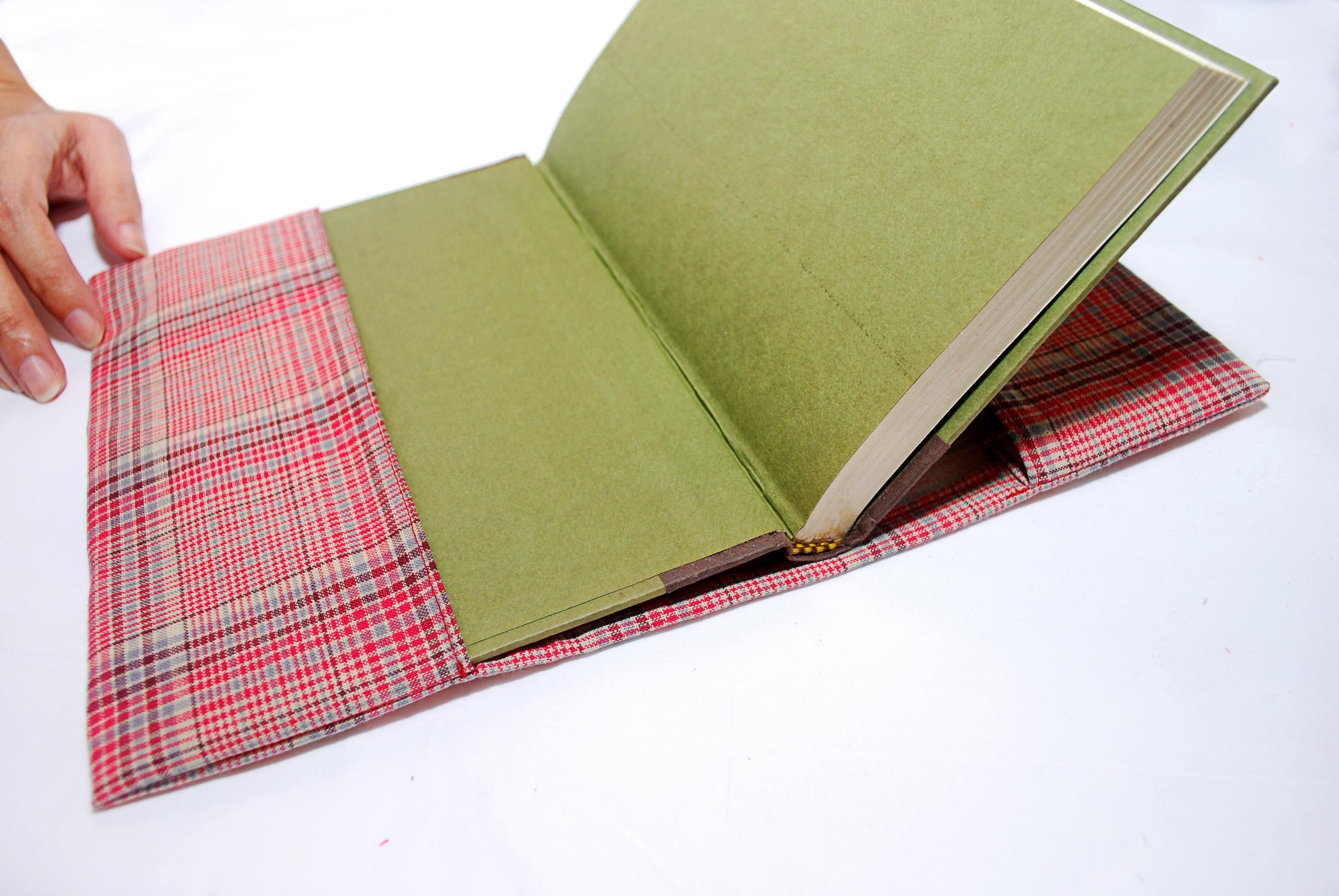 Sew a Fabric Book Cover Fabric book covers, Book covers