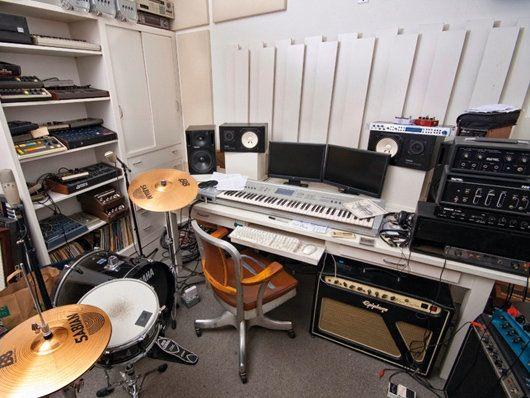 moby's home recording studio. | home recording studio | pinterest