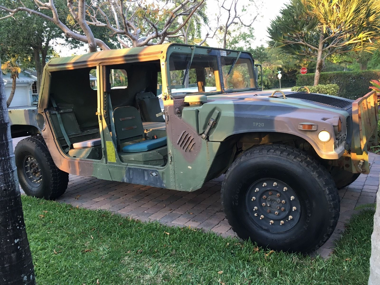AM General Military Hummer HUMMWV