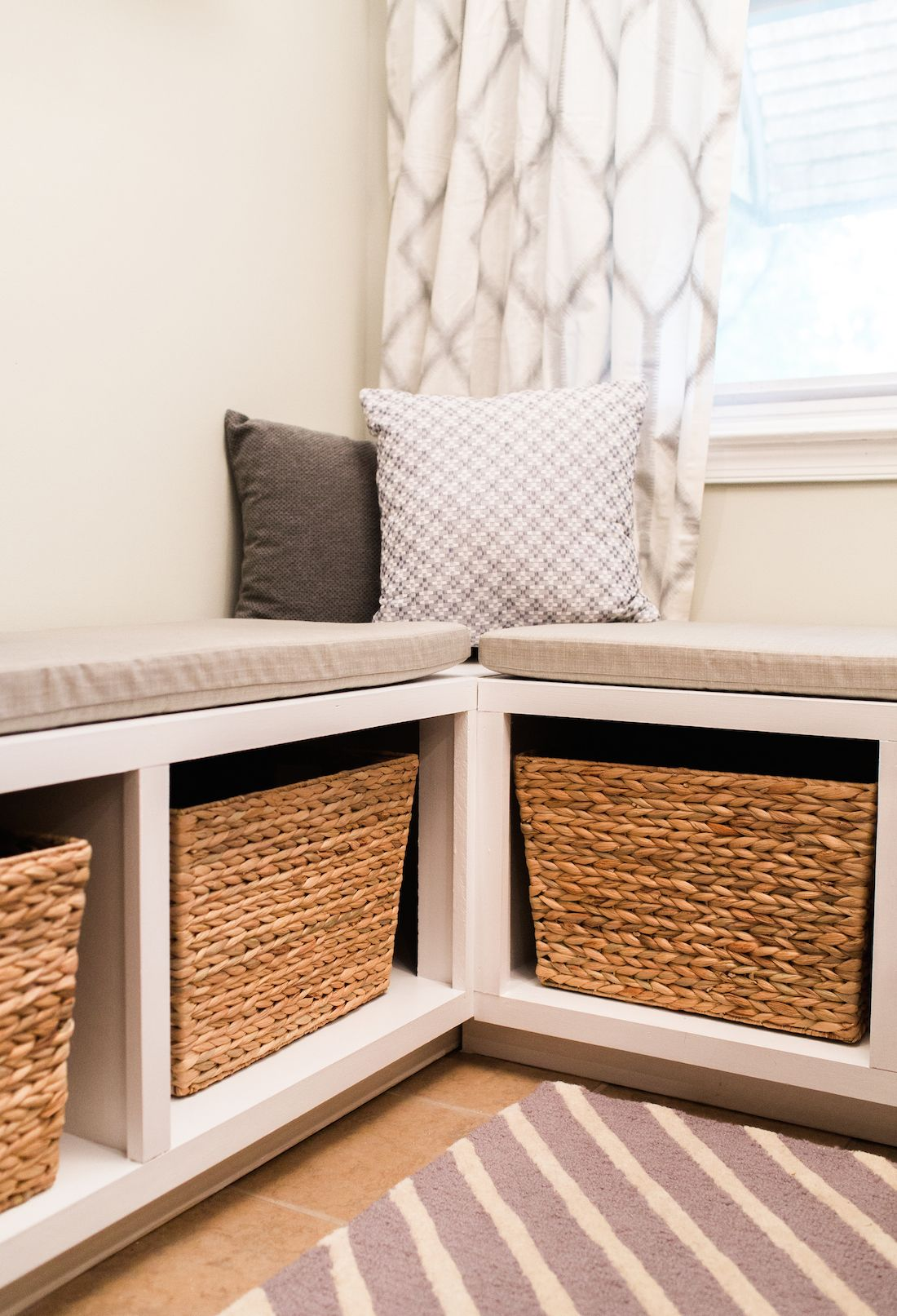 Build An L Shaped Bench To Maximize Seating And Storage In