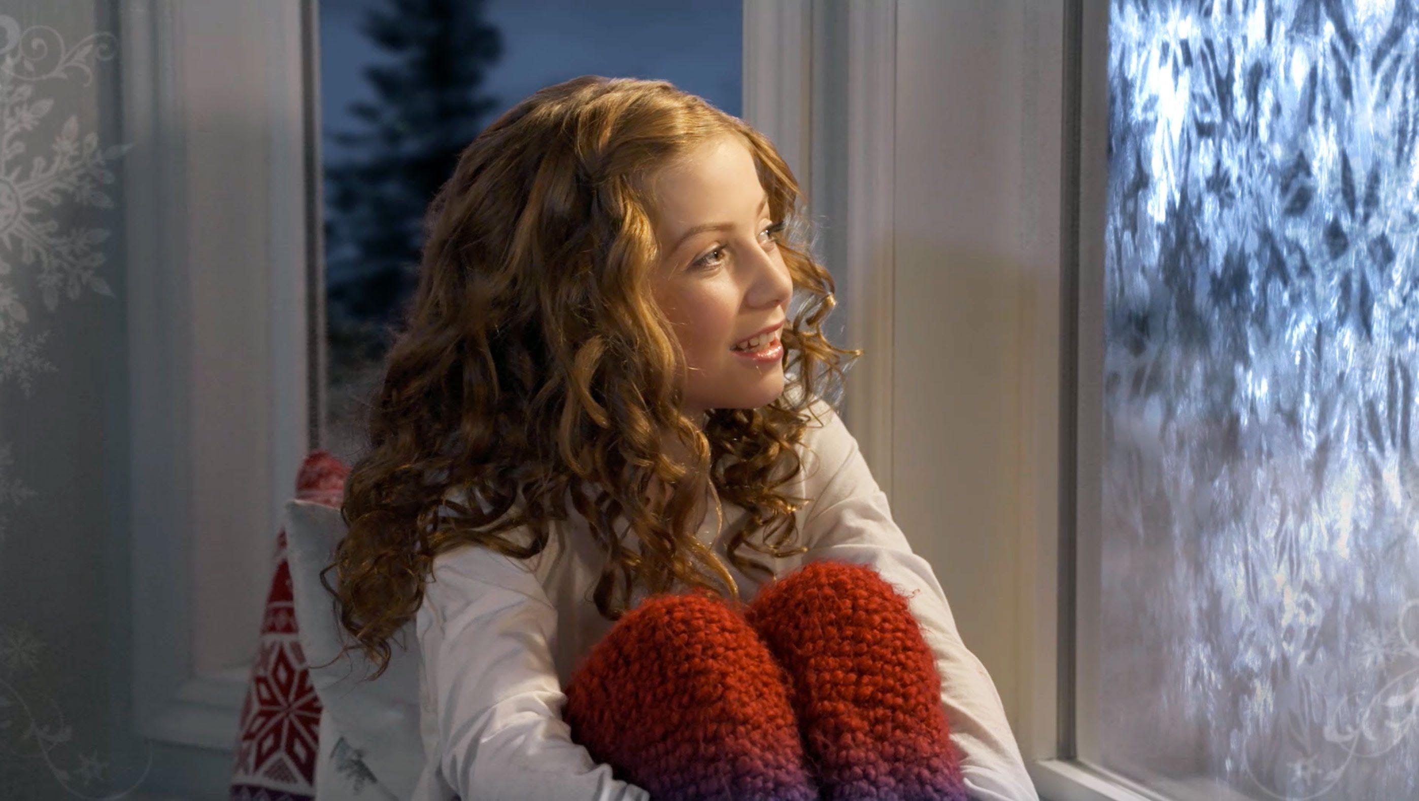 Singing phenomenon Lexi Walker makes a Christmas classic