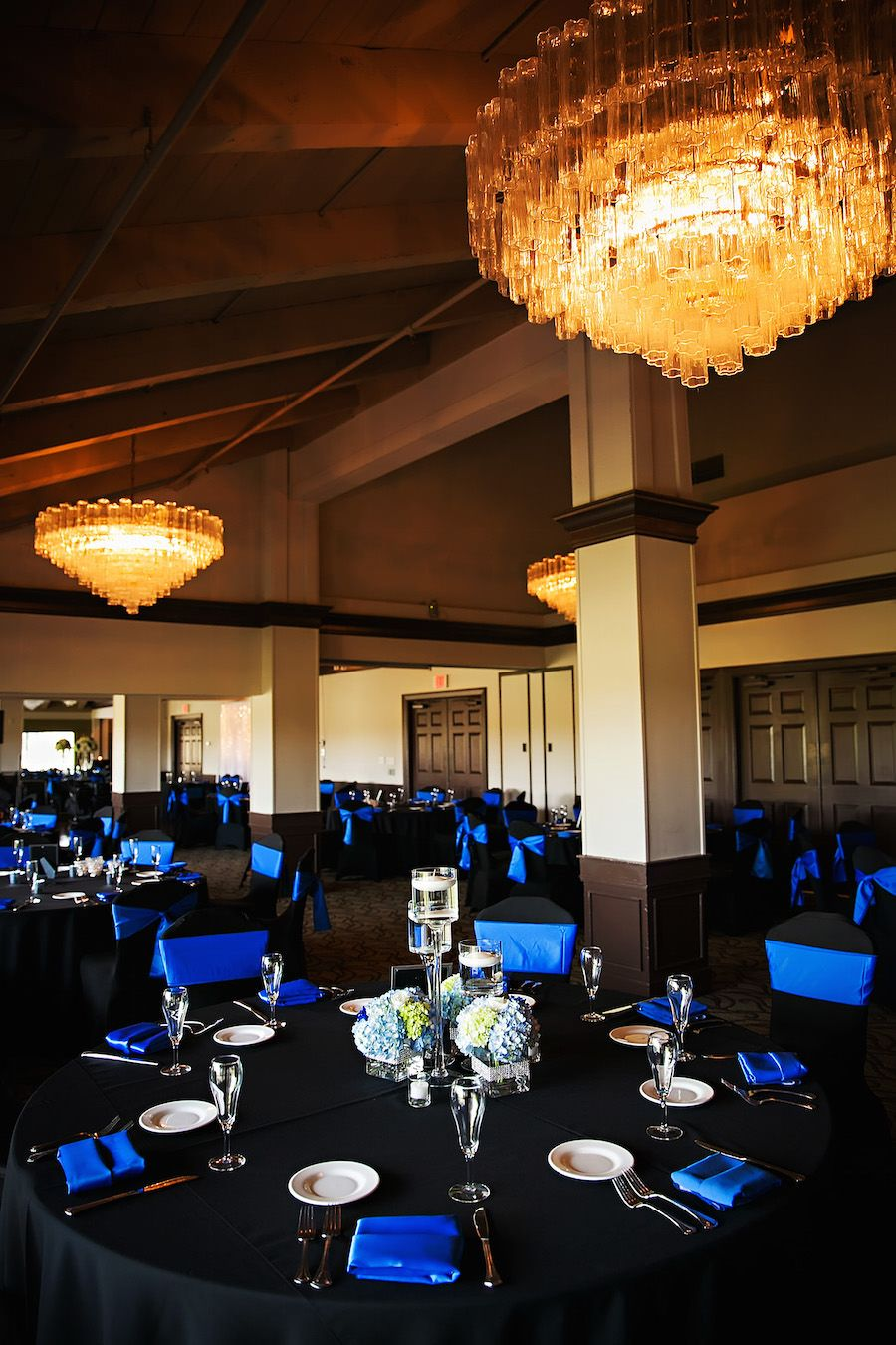 Traditional Wedding Reception Décor with Black Tablecloths