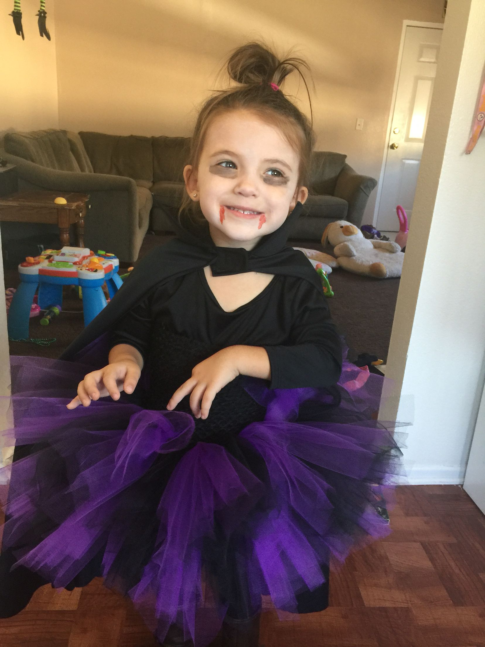 DIY vampire costume for girls! Tutu, tights, boots, a