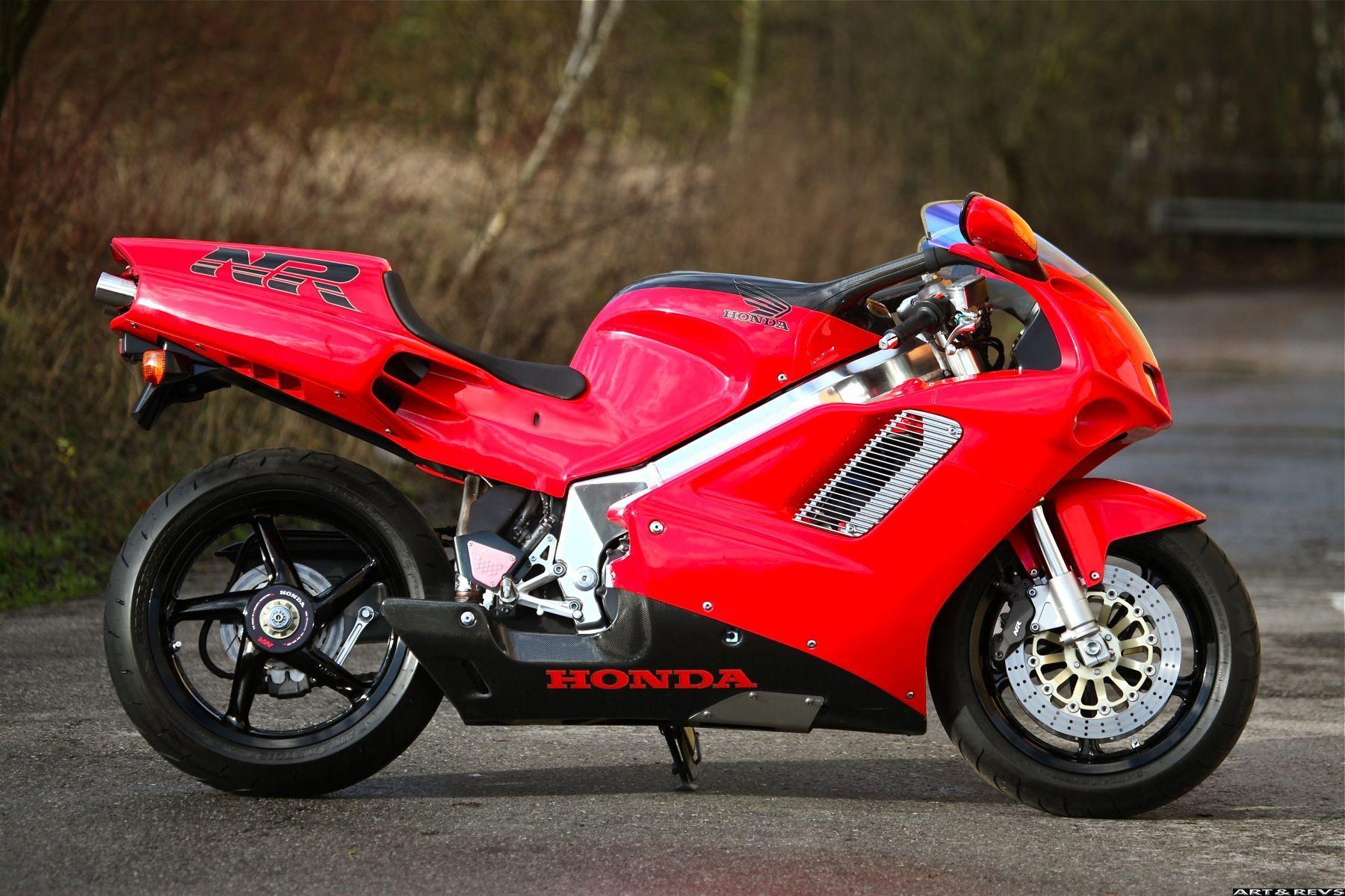 The truly amazing, oval piston Honda NR. Two Wheels Good