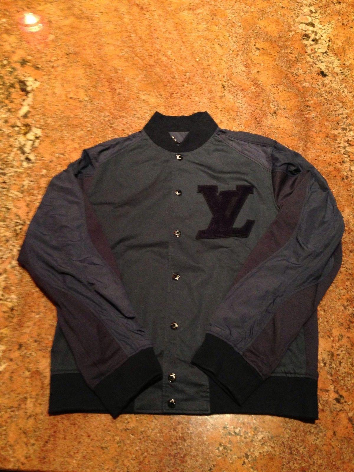 Louis Vuitton Jacket (Men's Preowned Bomber Windbreaker