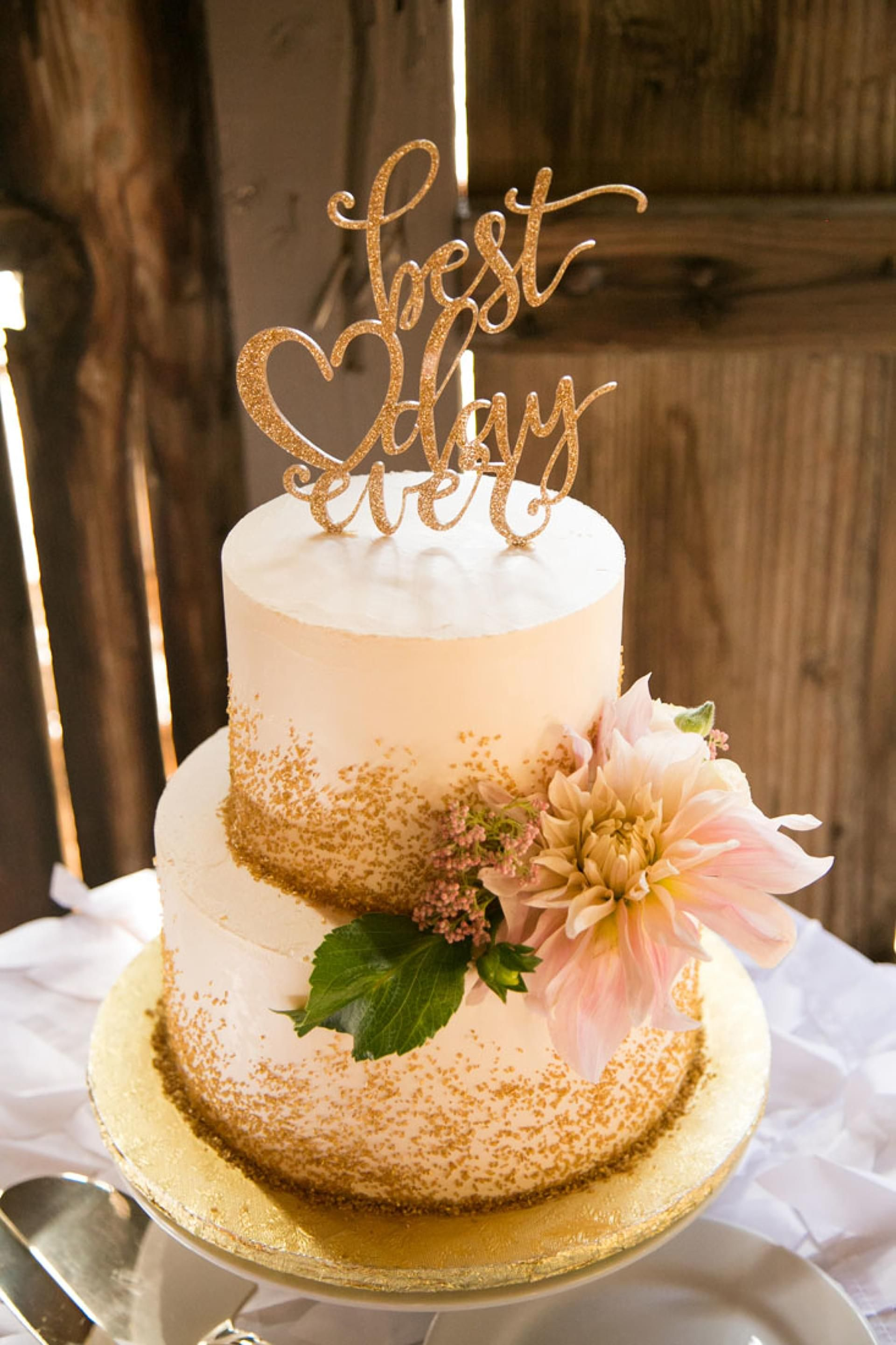 The Smarter Way To Wed Wedding Cake Gold Sprinkles And