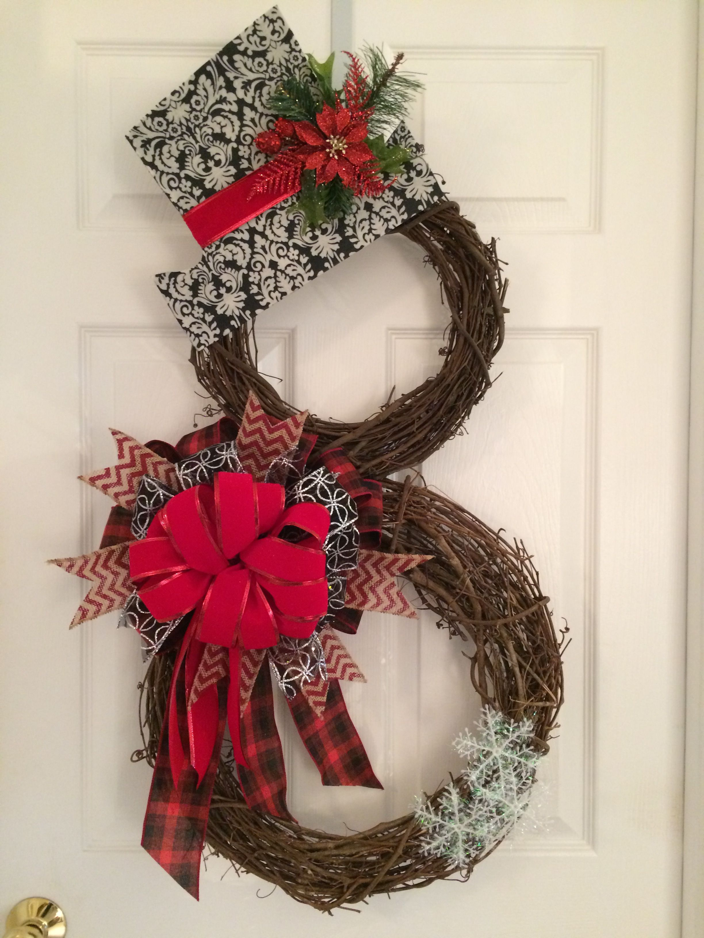 Snowman grapevine wreath. Christmas Wreaths Pinterest