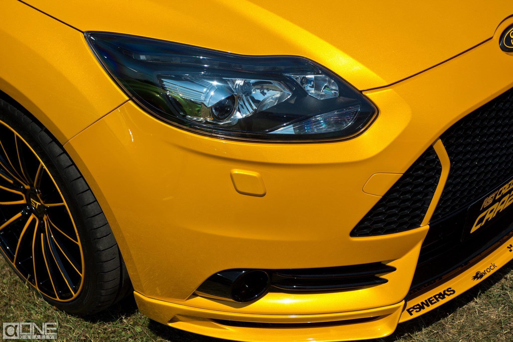 Ford Focus ST 3 tuning, big rims, front bumper tuning